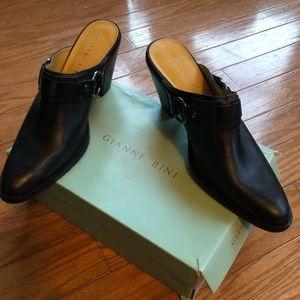 Gianni Bini black slip on shoes